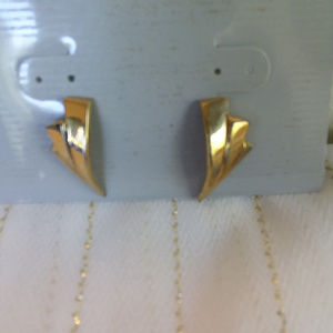 GOLD PIERCED EARRINGS